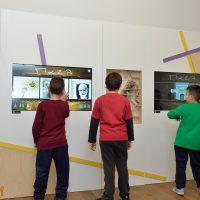7. Παιχνίδια και δραστηριότητες στην εκπαιδευτική-διαδραστική σοφίτα του Μουσείου (Δωρεά του Ιδρύματος Σταύρος Νιάρχος). / Playing while learning in the Interactive Exhibits & Technology Hall (Donation by the Stavros Niarchos Foundation).