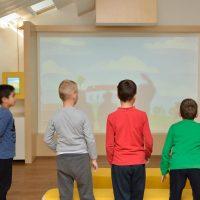 9. Παιχνίδια και δραστηριότητες στην εκπαιδευτική-διαδραστική σοφίτα του Μουσείου (Δωρεά του Ιδρύματος Σταύρος Νιάρχος). / Playing while learning in the Interactive Exhibits & Technology Hall (Donation by the Stavros Niarchos Foundation).