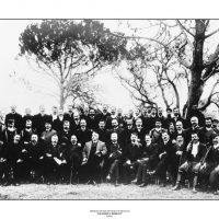 9. Ομάδα χριστιανών πληρεξουσίων της A' Κρητικής Εθνοσυνέλευσης, 1899. / A group of Christian plenipotentiaries of the First Cretan National Assembly, 1899.