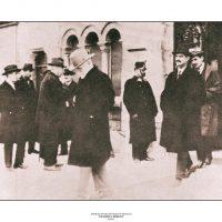 40. O Ελευθέριος Βενιζέλος μετά την υπογραφή της Συνθήκης της Λωζάννης, 24 Ιουλίου 1923. / Eleftherios Venizelos after signing the Treaty of Lausanne. July 24, 1923.