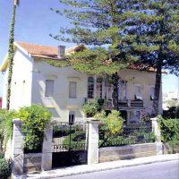 7. Η οικία πριν τις εργασίες αποκατάστασης το 2012. / The house before the restoration of 2012.