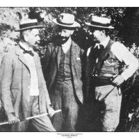 12. H ηγεσία της επανάστασης. Ελ. Βενιζέλος, Κ. Φούμης και Κ. Μάνος, Θέρισο 1905. / The leadership of the revolution. El. Venizelos, K. Foumis and K. Manos, Therisso 1905.